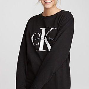 Calvin Klein black crewneck sweatshirt